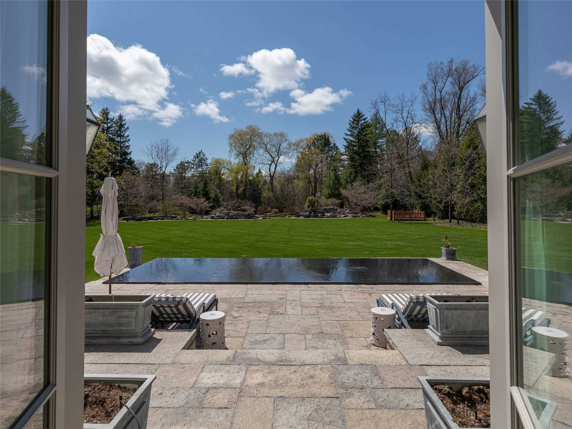 93 The Bridle Path, Toronto, Ontario M3C2P1, 4 Bedrooms Bedrooms, 15 Rooms Rooms,9 BathroomsBathrooms,Detached,For Sale,The Bridle Path,C4852893