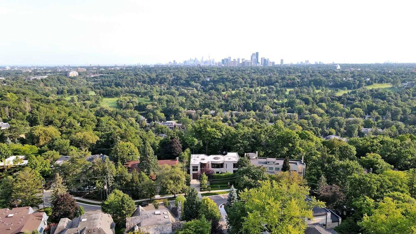 75 Highland Cres, Bridle Path-Sunnybrook-York Mills, Toronto, Ontario M2L1G7, 4 Bedrooms Bedrooms, 9 Rooms Rooms,7 BathroomsBathrooms,Detached,For Sale,Highland,C4917313