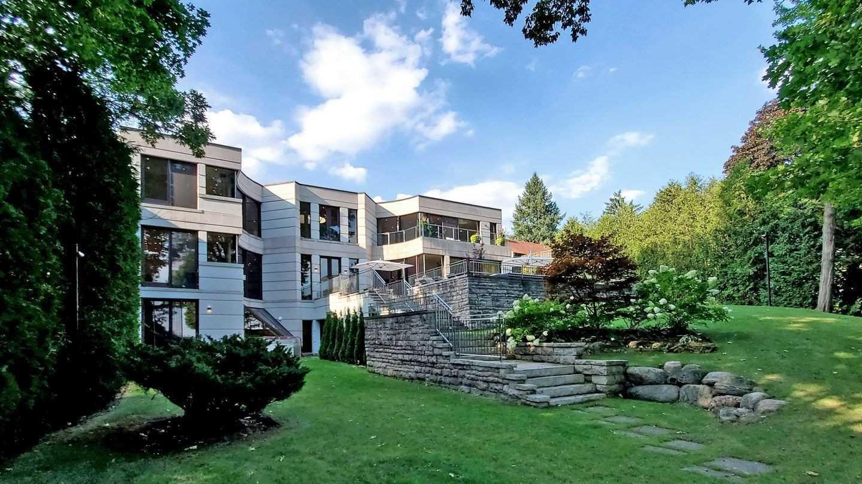 75 Highland Cres, Toronto, Ontario M2L1G7, 4 Bedrooms Bedrooms, 9 Rooms Rooms,7 BathroomsBathrooms,Detached,For Sale,Highland,C4917313