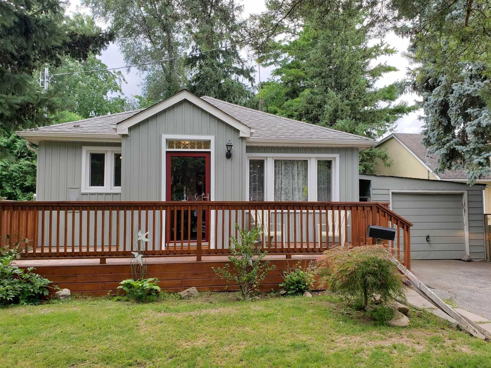 130 Rumble Ave, Richmond Hill, Ontario L4C4G1, 2 Bedrooms Bedrooms, 5 Rooms Rooms,1 BathroomBathrooms,Detached,For Sale,Rumble,N4869108