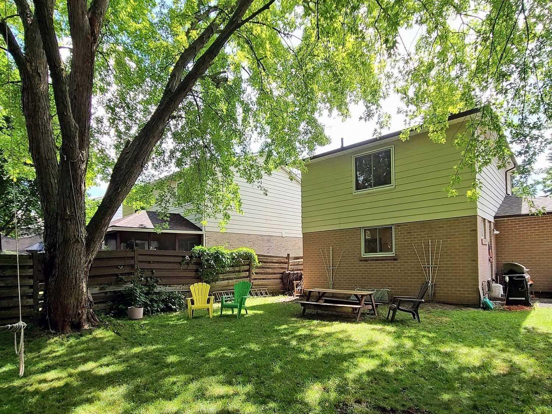 146 Armitage Dr, Newmarket, Ontario L3Y5L7, 3 Bedrooms Bedrooms, 6 Rooms Rooms,3 BathroomsBathrooms,Detached,For Sale,Armitage,N4875488
