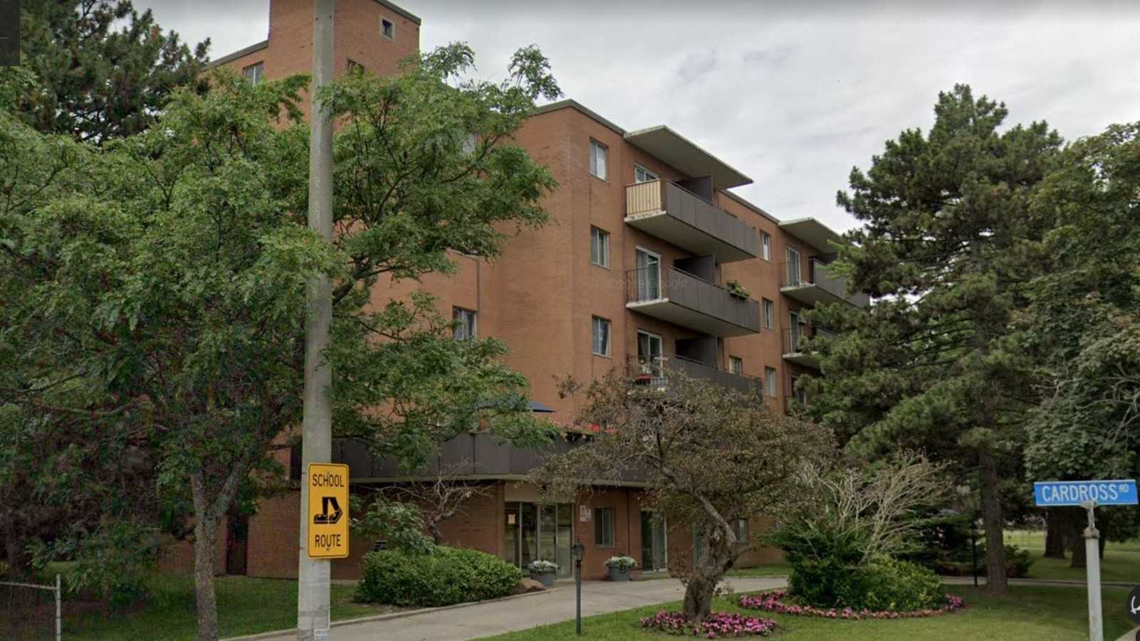 3310 Fieldgate Dr, Applewood, Mississauga, Ontario L4X2J1, ,Investment,For Sale,Fieldgate,W4913654