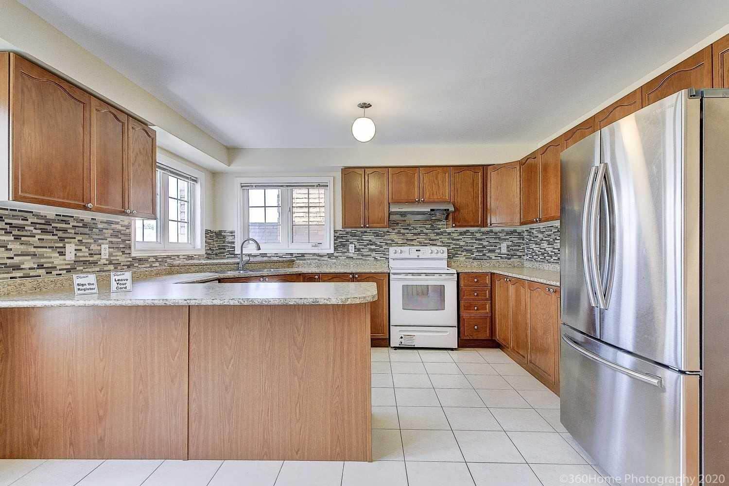 223 Ray Snow Blvd, Newmarket, Ontario L3X3J3, 4 Bedrooms Bedrooms, 10 Rooms Rooms,4 BathroomsBathrooms,Detached,For Sale,Ray Snow,N4923512