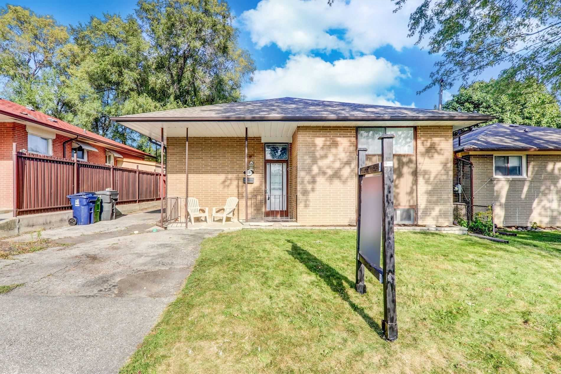 19 Lakeland Cres, Toronto, Ontario M1G2L4, 3 Bedrooms Bedrooms, 6 Rooms Rooms,2 BathroomsBathrooms,Detached,For Sale,Lakeland,E4924340
