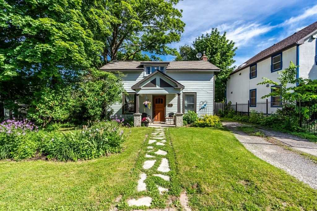 37 Arnold Cres, Richmond Hill, Ontario L4C3R6, 4 Bedrooms Bedrooms, 9 Rooms Rooms,2 BathroomsBathrooms,Detached,For Sale,Arnold,N4793033
