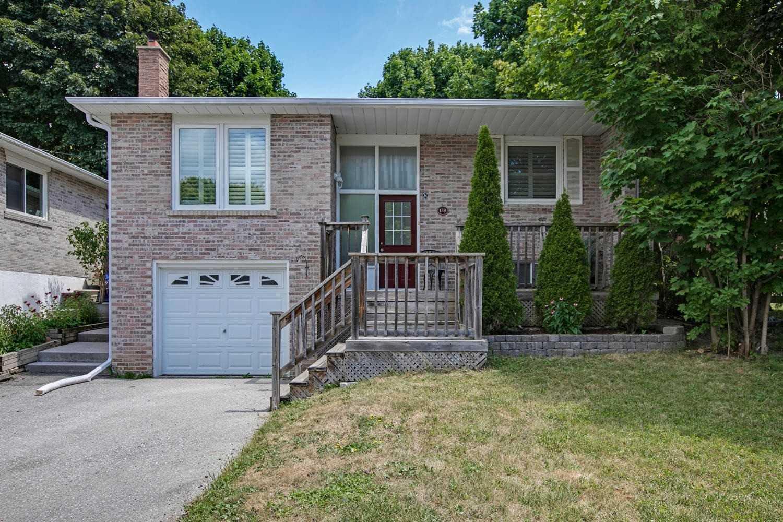 138 Armitage Dr, Newmarket, Ontario L3Y5L7, 3 Bedrooms Bedrooms, 6 Rooms Rooms,2 BathroomsBathrooms,Detached,For Sale,Armitage,N4858055