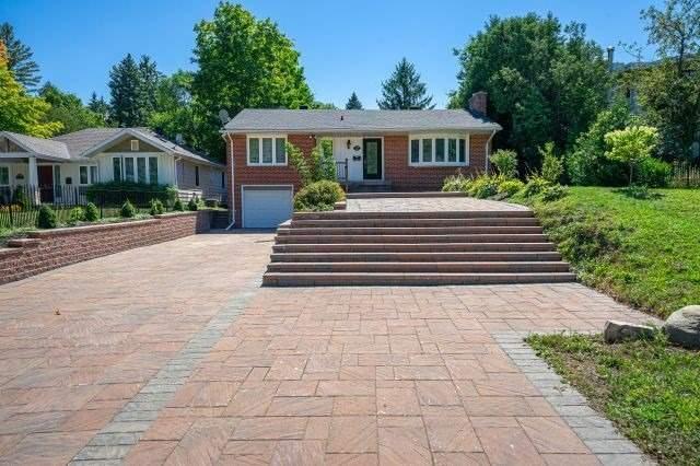 52 Eagle St, Newmarket, Ontario L3Y1J3, 3 Bedrooms Bedrooms, 6 Rooms Rooms,2 BathroomsBathrooms,Detached,For Sale,Eagle,N4887133