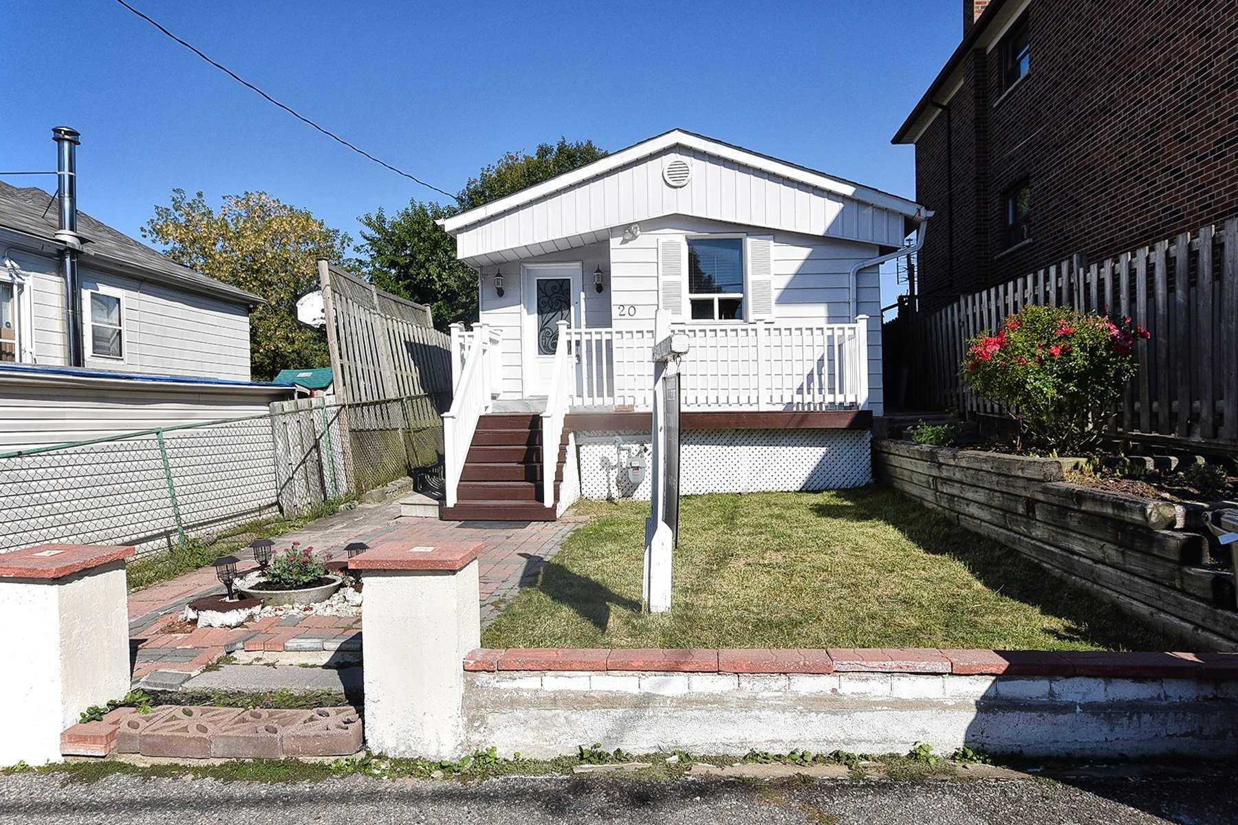 20 Butterworth Ave, Toronto, Ontario M1L1H1, 3 Bedrooms Bedrooms, 6 Rooms Rooms,2 BathroomsBathrooms,Detached,For Sale,Butterworth,E4927347