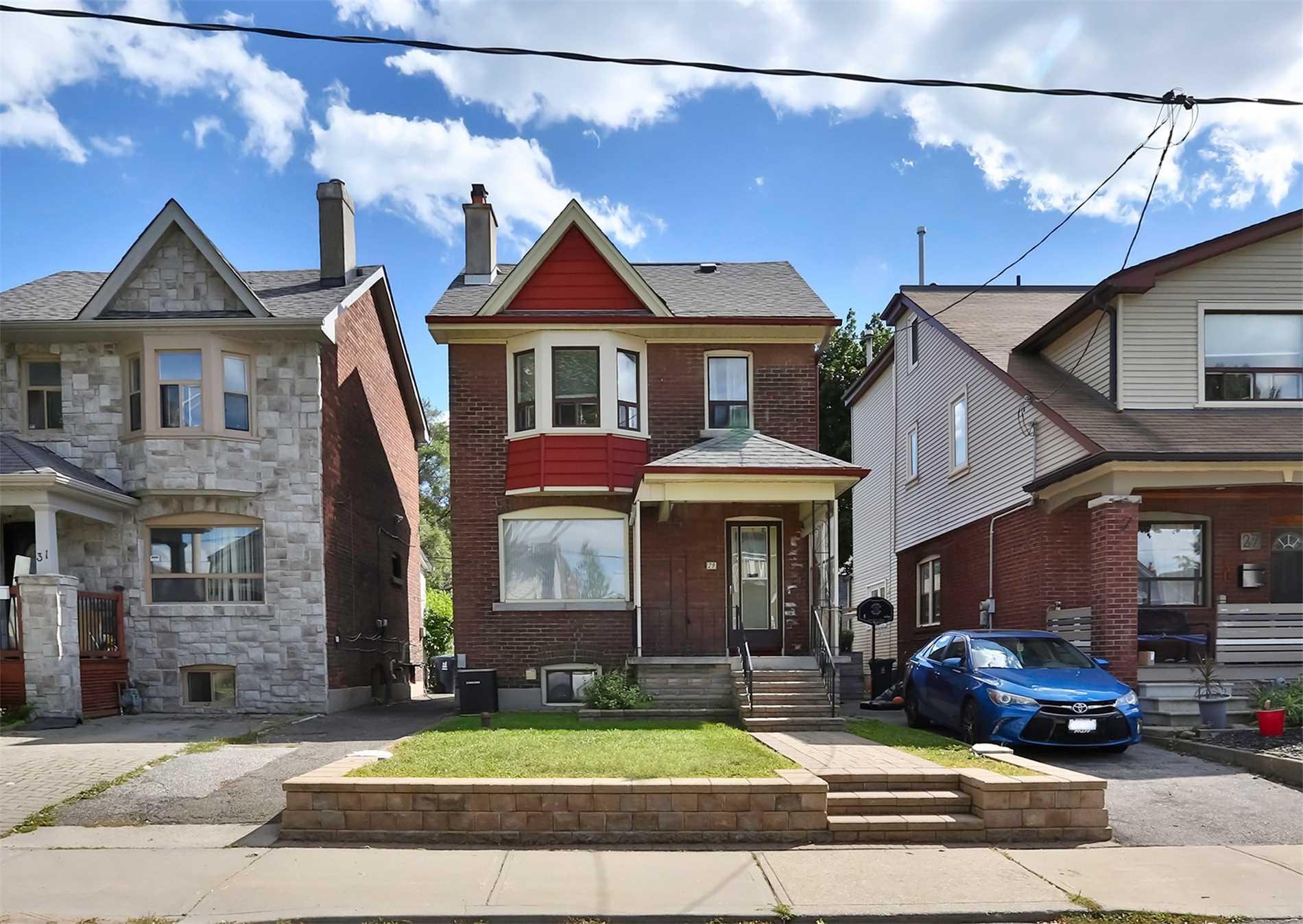 29 Newmarket Ave, Toronto, Ontario M4C1V8, 3 Bedrooms Bedrooms, 6 Rooms Rooms,2 BathroomsBathrooms,Detached,For Sale,Newmarket,E4901158