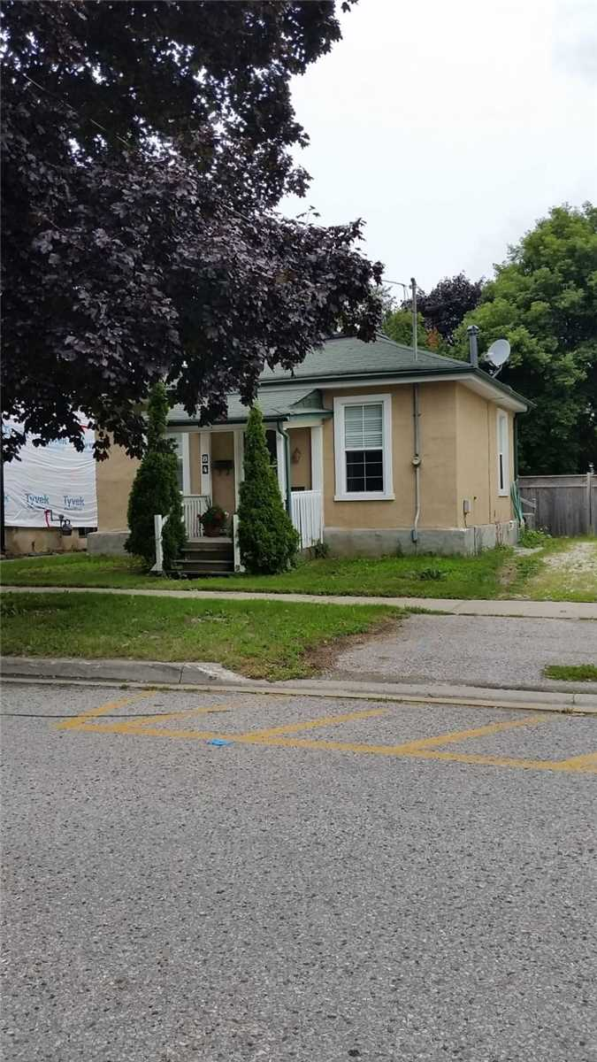 84 Mosley St, Aurora, Ontario L4G1H1, 2 Bedrooms Bedrooms, 5 Rooms Rooms,1 BathroomBathrooms,Detached,For Sale,Mosley,N4753643