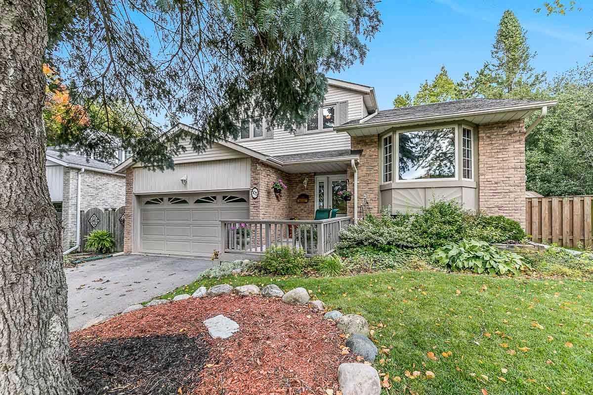 103 Rutledge Ave, Newmarket, Ontario L3Y5T5, 3 Bedrooms Bedrooms, 8 Rooms Rooms,3 BathroomsBathrooms,Detached,For Sale,Rutledge,N4946482
