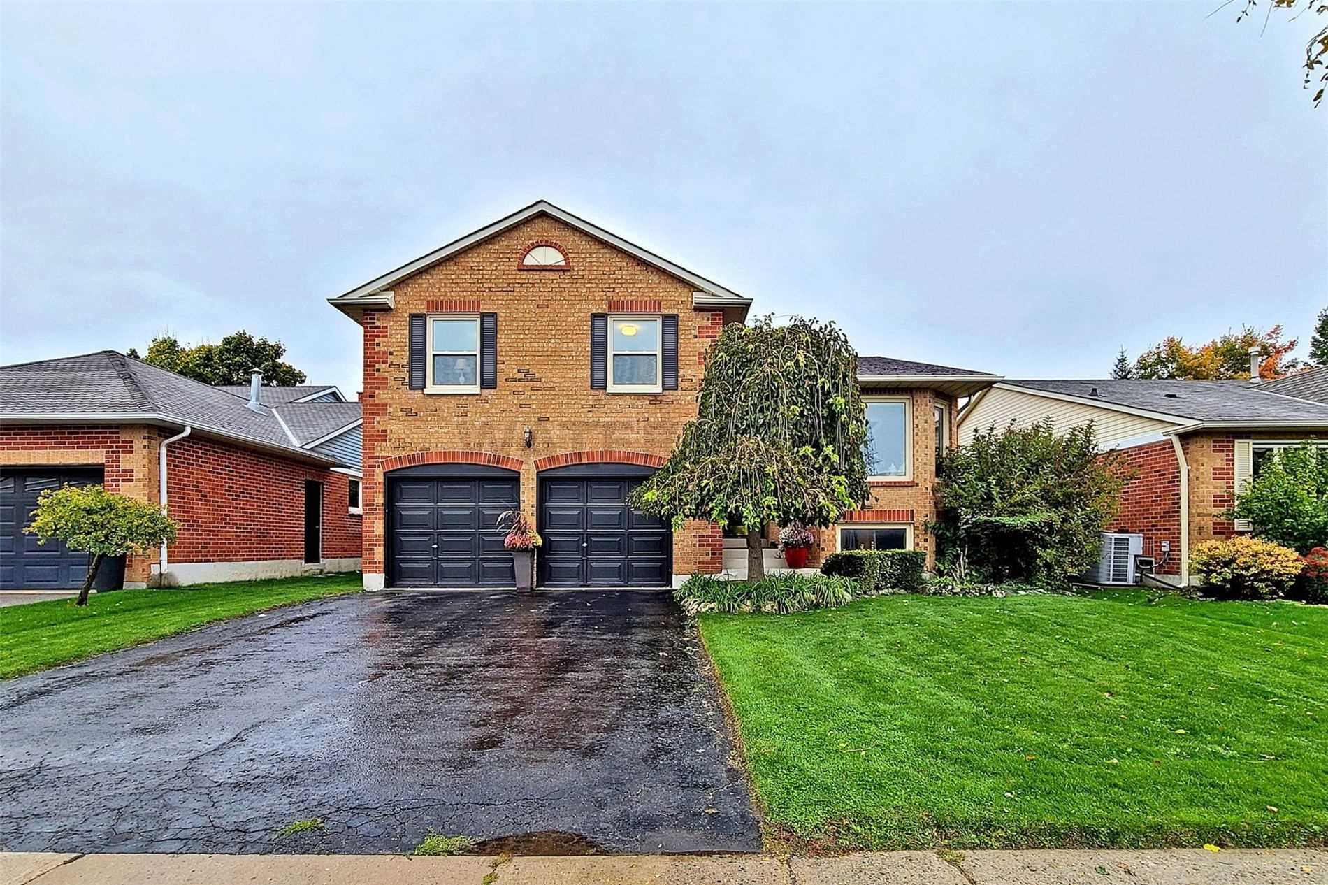 375 Crossland Gate, Newmarket, Ontario L3X1B6, 3 Bedrooms Bedrooms, 7 Rooms Rooms,3 BathroomsBathrooms,Detached,For Sale,Crossland,N4956296