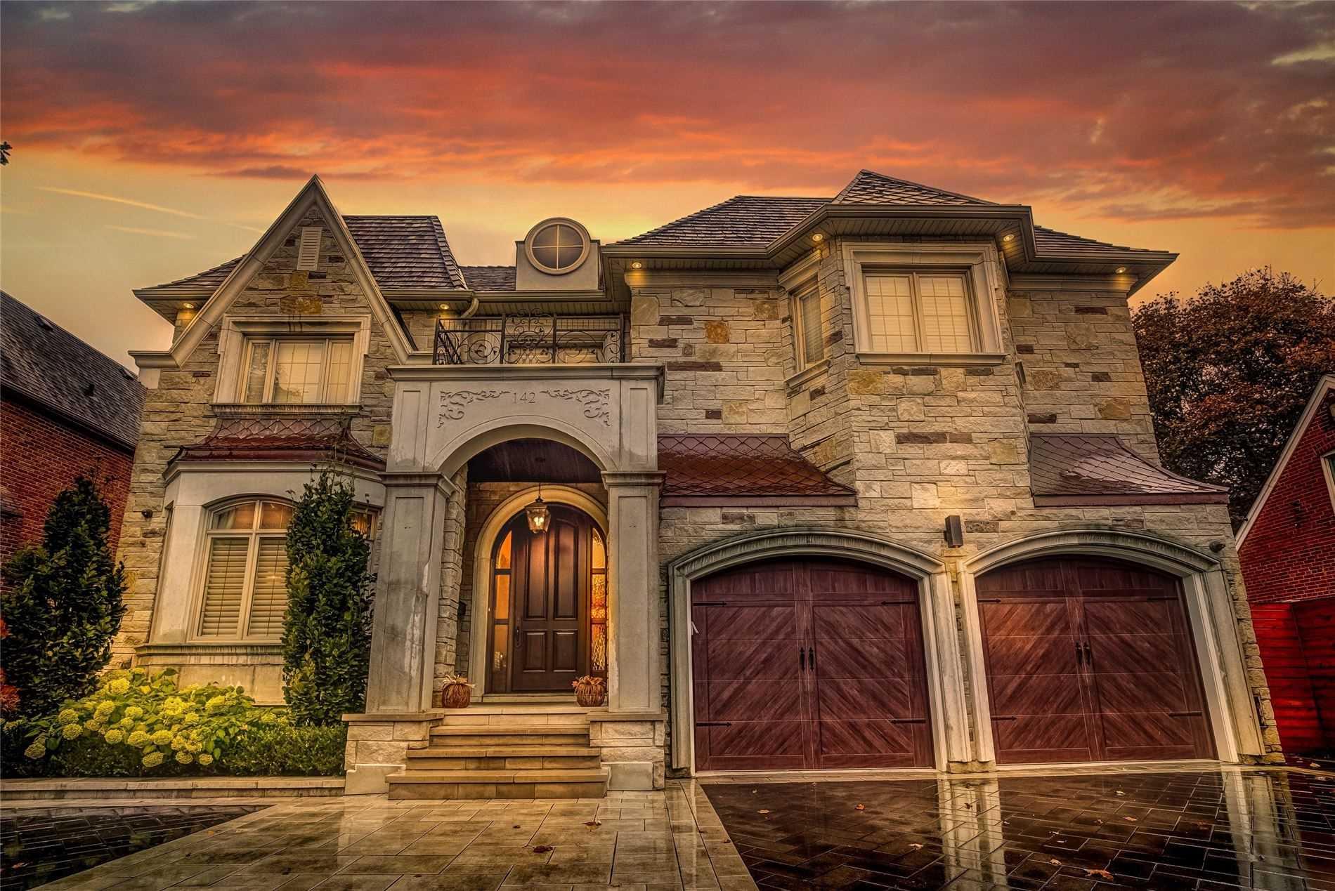 142 Upper Canada Dr, St. Andrew-Windfields, Toronto, Ontario M2P1S8, 4 Bedrooms Bedrooms, 11 Rooms Rooms,5 BathroomsBathrooms,Detached,For Sale,Upper Canada,C4958874