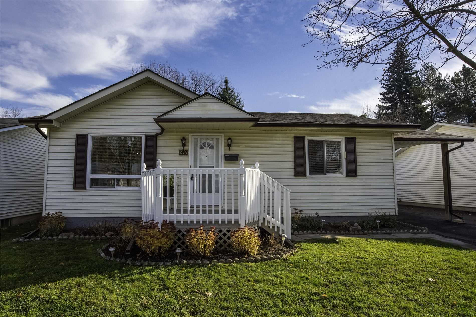 275 Jeff Smith Crt, Newmarket, Ontario L3Y8C5, 2 Bedrooms Bedrooms, 7 Rooms Rooms,2 BathroomsBathrooms,Detached,For Sale,Jeff Smith,N4984558