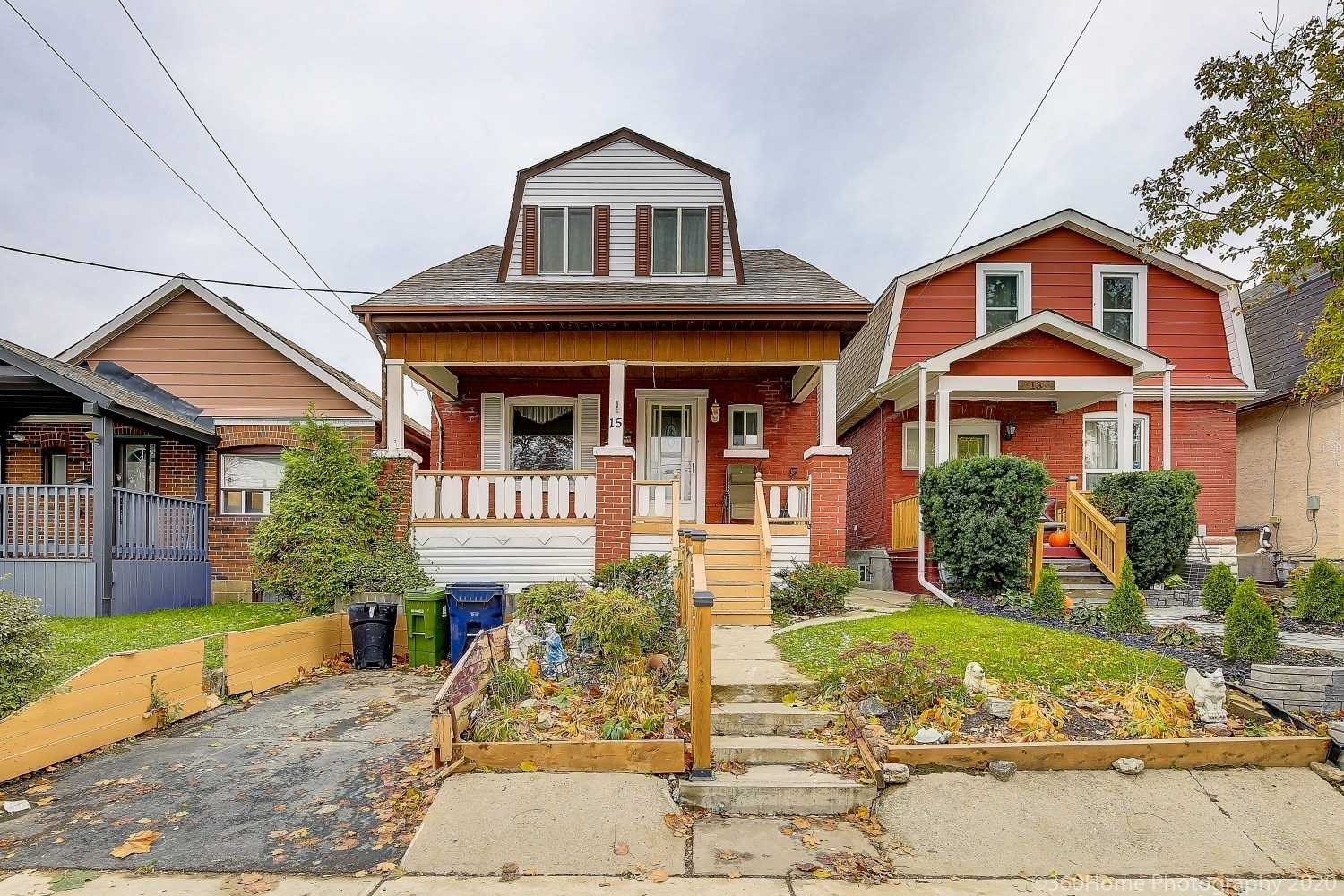 15 Rutherford Ave, Toronto, Ontario M6M2C5, 3 Bedrooms Bedrooms, 6 Rooms Rooms,1 BathroomBathrooms,Detached,Sold,Rutherford,W4978602