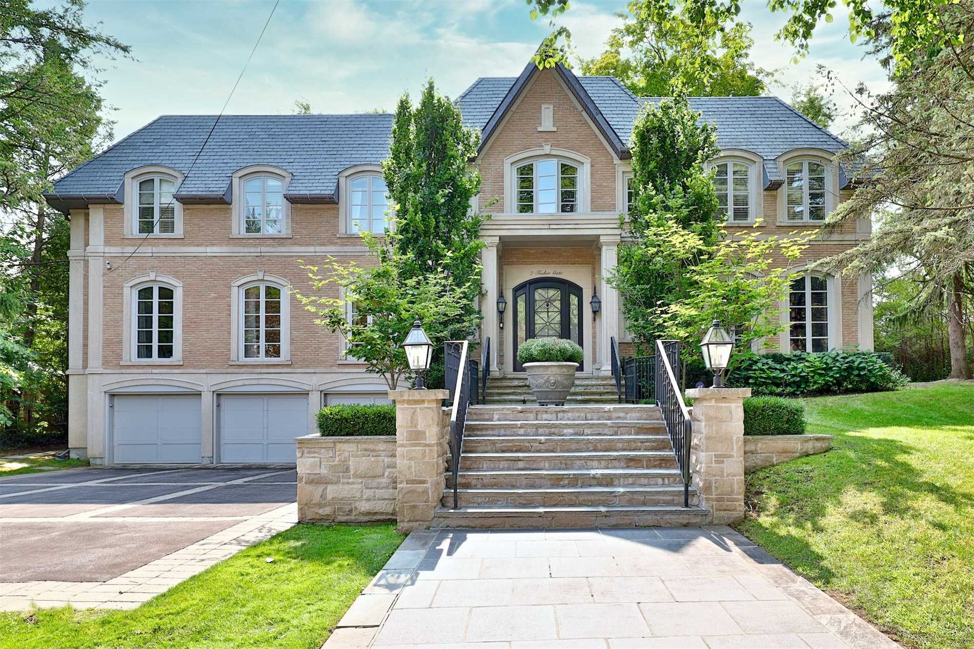 7 Tudor Gate, Bridle Path-Sunnybrook-York Mills, Toronto, Ontario M2L1N3, 5 Bedrooms Bedrooms, 12 Rooms Rooms,10 BathroomsBathrooms,Detached,For Sale,Tudor,C4915118