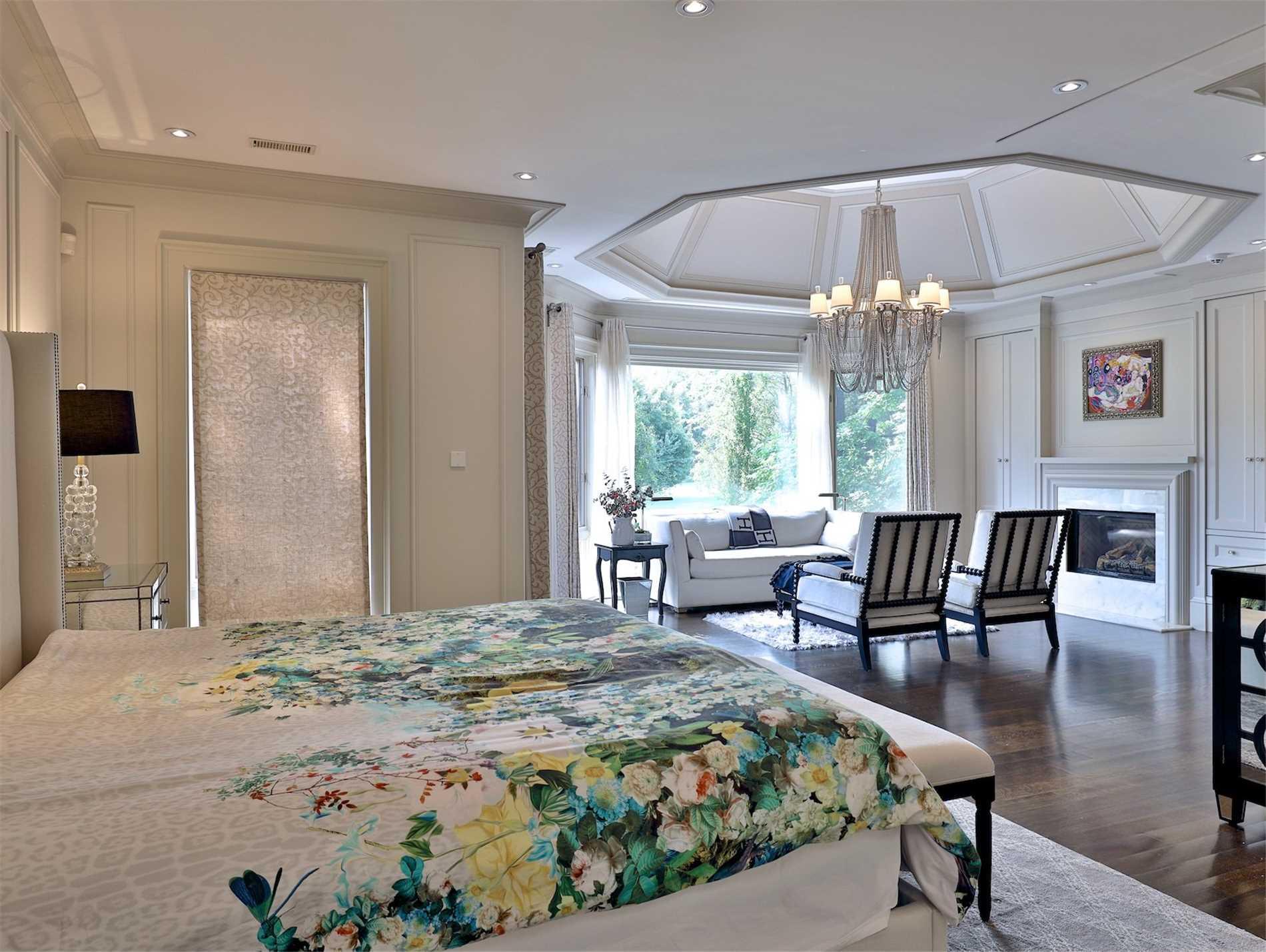 7 Tudor Gate, Bridle Path-Sunnybrook-York Mills, Toronto, Ontario M2L1N3, 5 Bedrooms Bedrooms, 12 Rooms Rooms,10 BathroomsBathrooms,Detached,For Sale,Tudor,C4915118