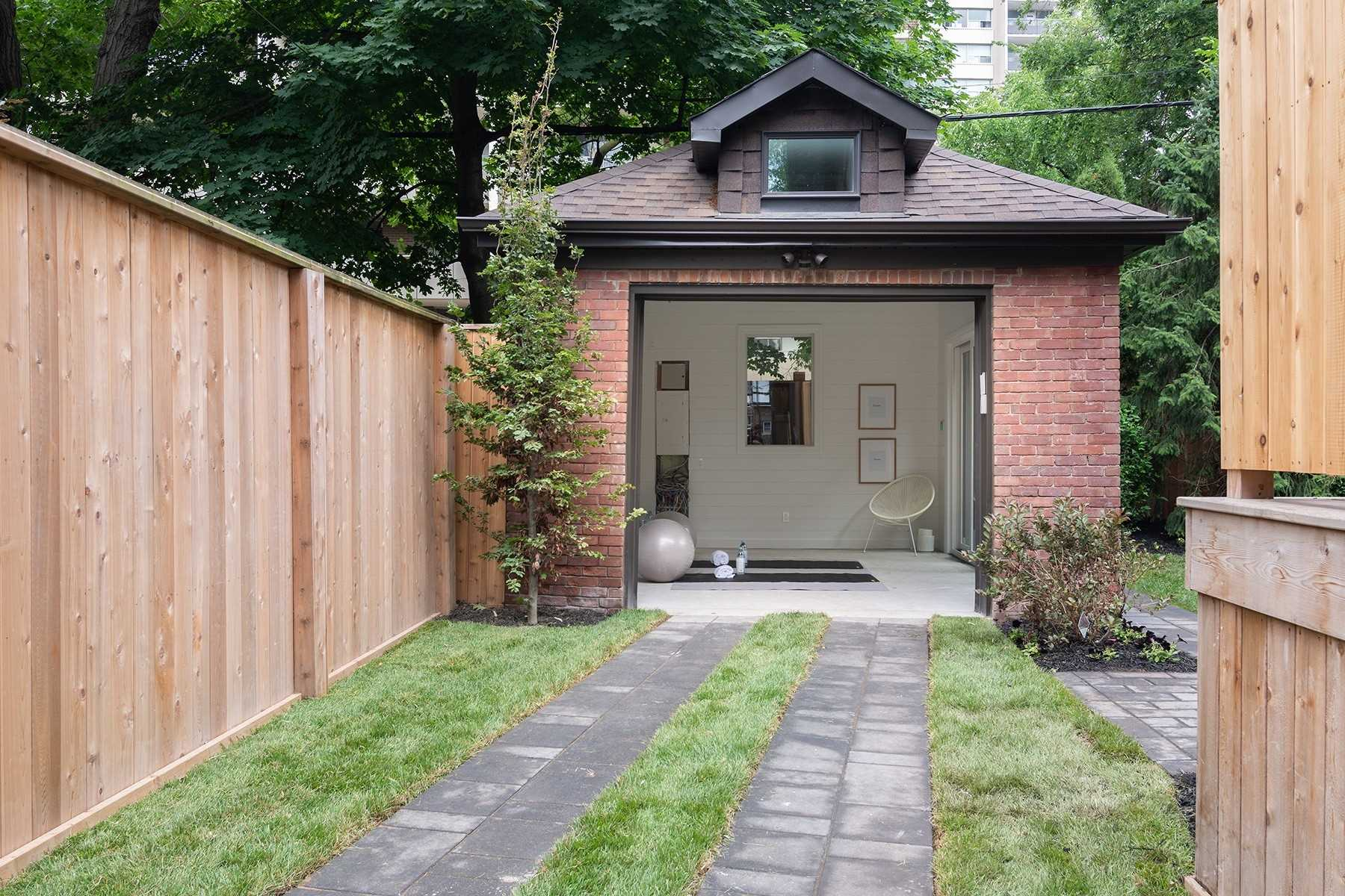 92 Admiral Rd, Toronto, Ontario M5R2L6, 4 Bedrooms Bedrooms, 6 Rooms Rooms,5 BathroomsBathrooms,Detached,For Sale,Admiral,C4838442