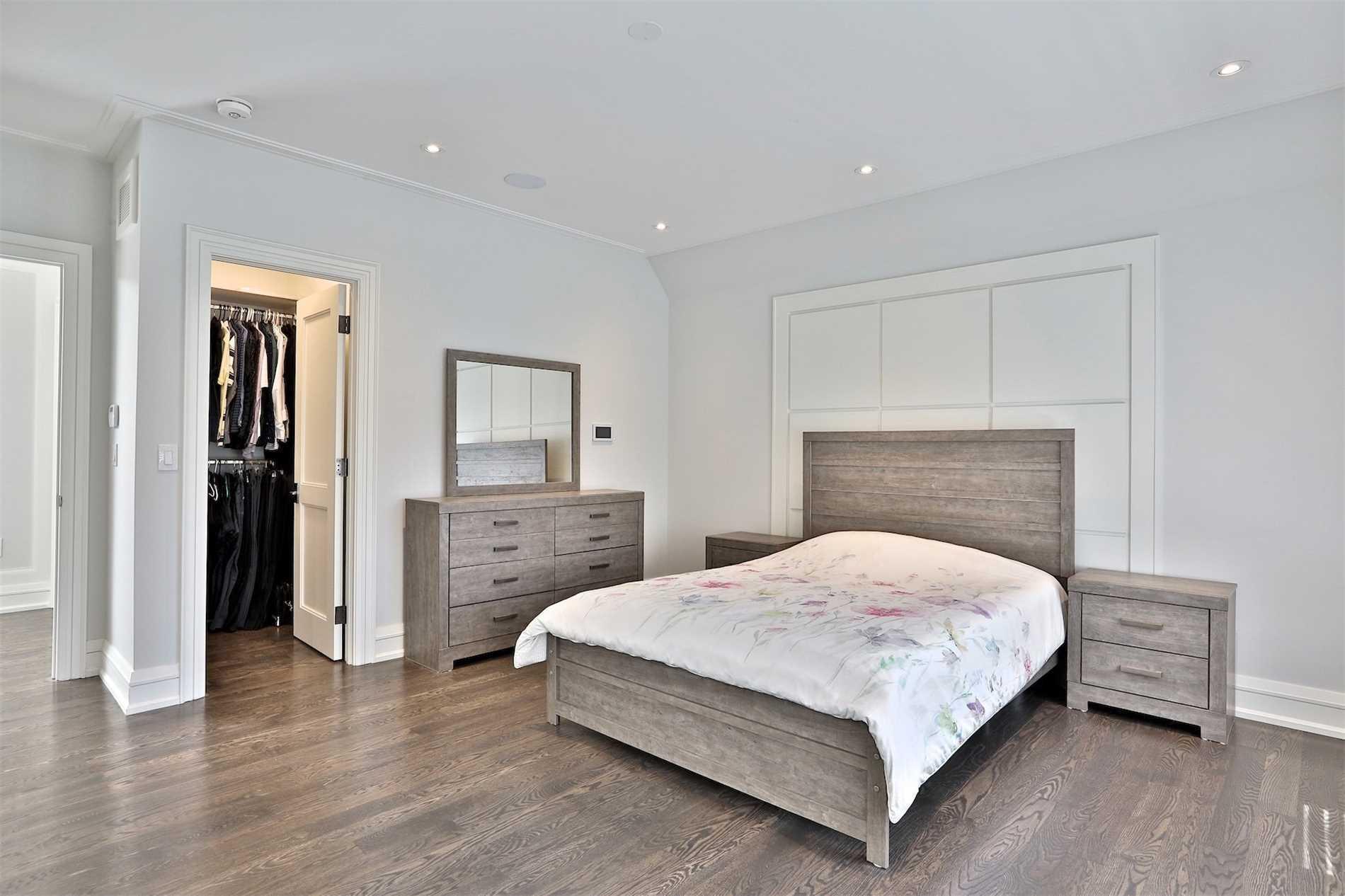 39 Tremont Cres, Toronto, Ontario M3B2R9, 4 Bedrooms Bedrooms, 10 Rooms Rooms,7 BathroomsBathrooms,Detached,For Sale,Tremont,C4831110