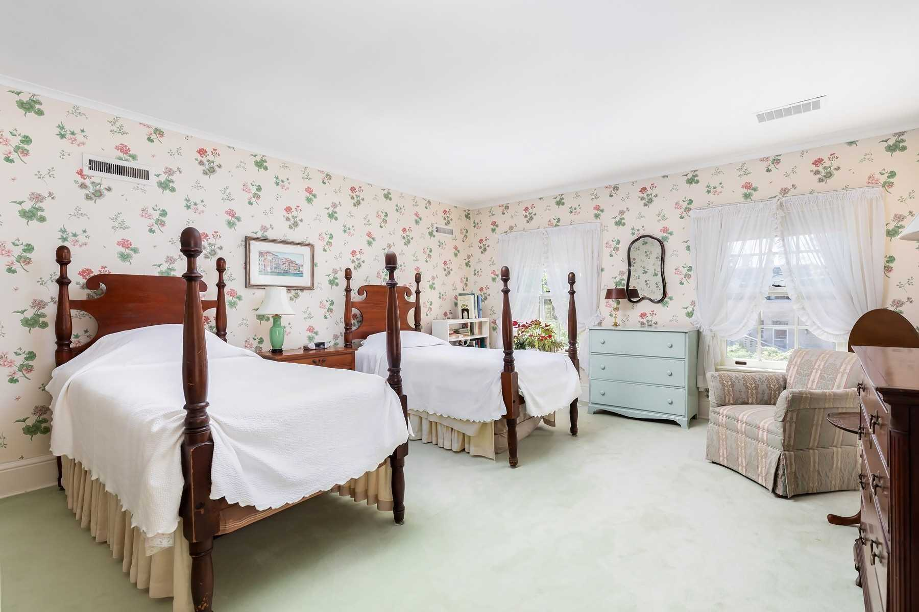 91 Glen Edyth Dr, Toronto, Ontario M4V2V8, 5 Bedrooms Bedrooms, 10 Rooms Rooms,6 BathroomsBathrooms,Detached,For Sale,Glen Edyth,C4830460