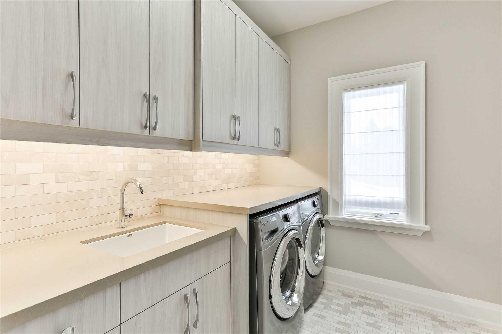 7 Masters Rd, Toronto, Ontario M2P1Z5, 5 Bedrooms Bedrooms, 10 Rooms Rooms,9 BathroomsBathrooms,Detached,For Sale,Masters,C4772878