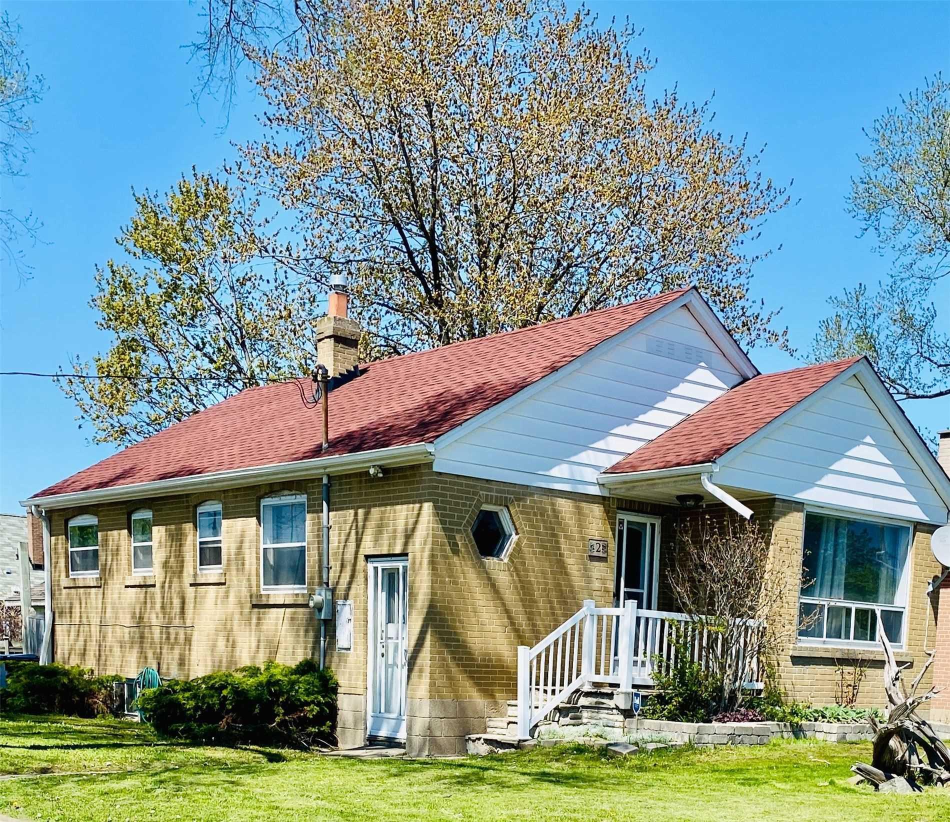 2 Densmore Ave, Toronto, Ontario M9W1V2, 3 Bedrooms Bedrooms, 5 Rooms Rooms,2 BathroomsBathrooms,Detached,For Sale,Densmore,W4767431