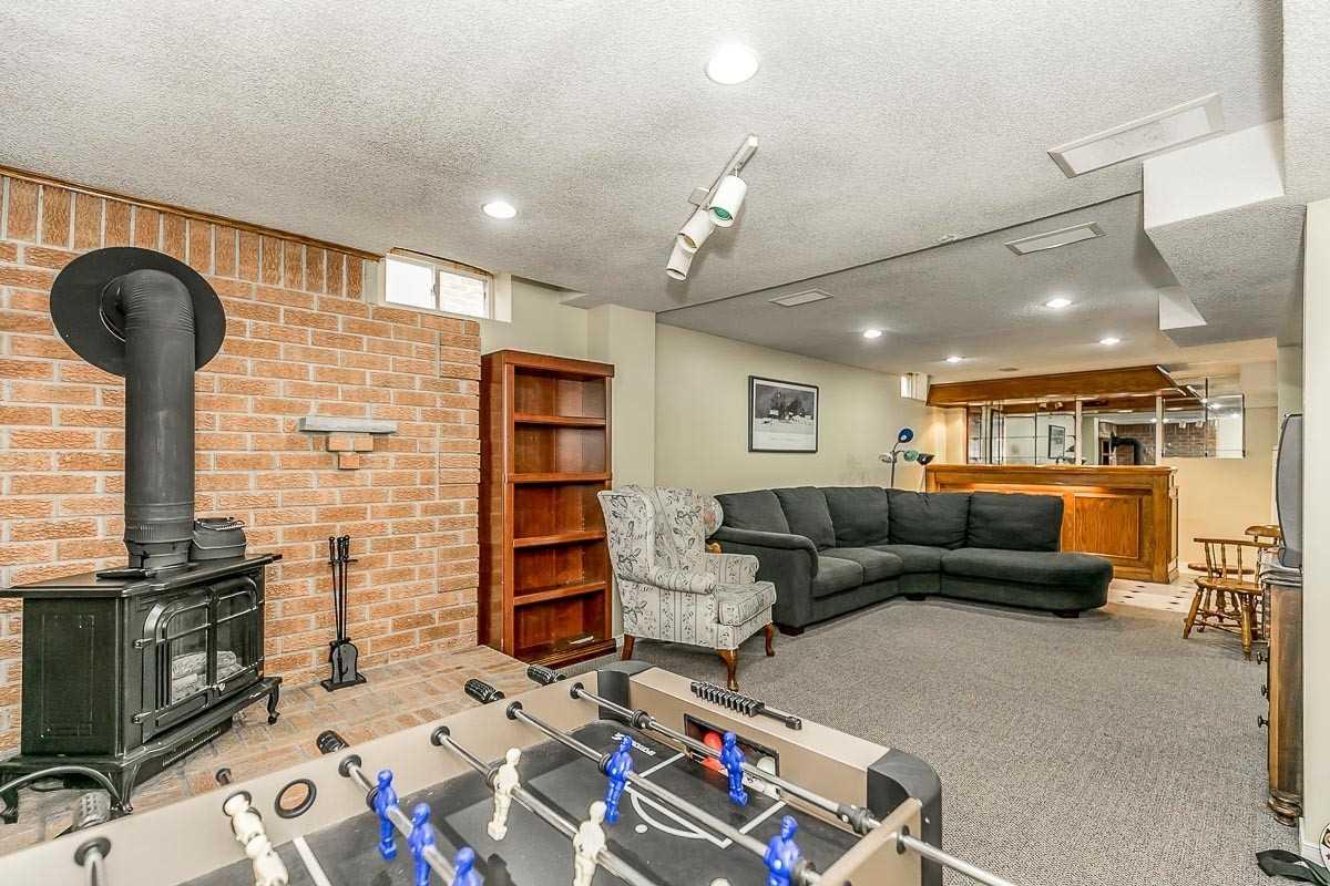 165 Billings Cres, Newmarket, Ontario L3Y7Y1, 3 Bedrooms Bedrooms, 7 Rooms Rooms,4 BathroomsBathrooms,Detached,For Sale,Billings,N4766518