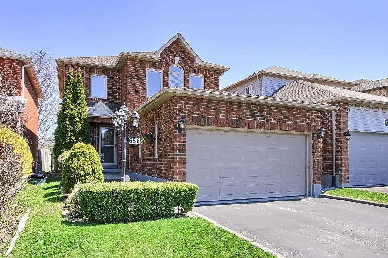 656 College Manor Dr, Newmarket, Ontario L3Y 8M2, 4 Bedrooms Bedrooms, 8 Rooms Rooms,4 BathroomsBathrooms,Detached,For Sale,College Manor,N4763915