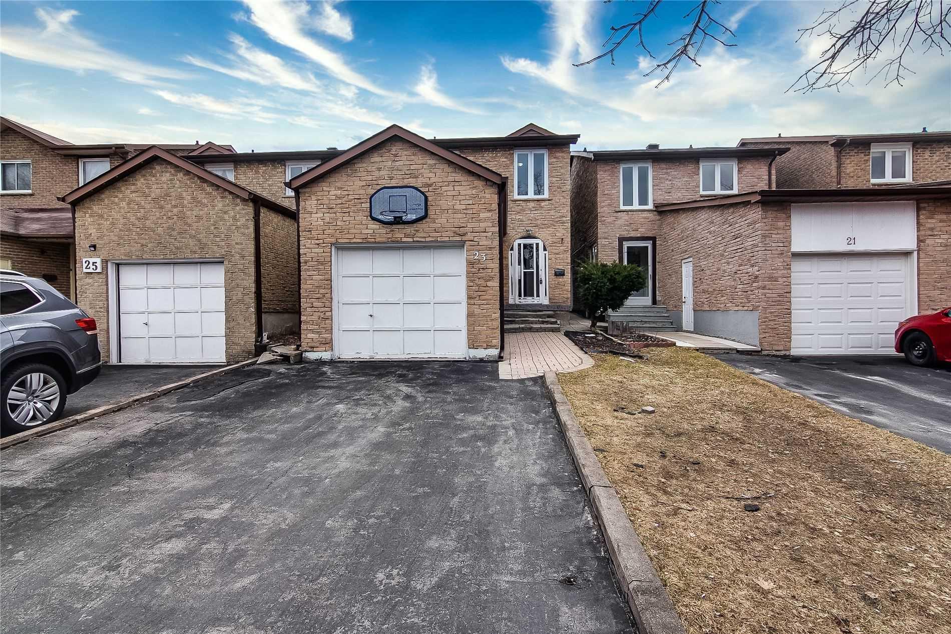 23 Maitland Dr, Markham, Ontario L3R4M6, 4 Bedrooms Bedrooms, 8 Rooms Rooms,4 BathroomsBathrooms,Detached,For Sale,Maitland,N4765519