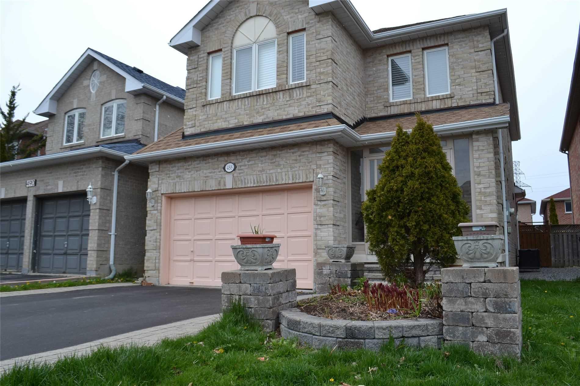 488 Menczel Cres, Newmarket, Ontario L3X2P6, 3 Bedrooms Bedrooms, 8 Rooms Rooms,4 BathroomsBathrooms,Detached,For Sale,Menczel,N4760989