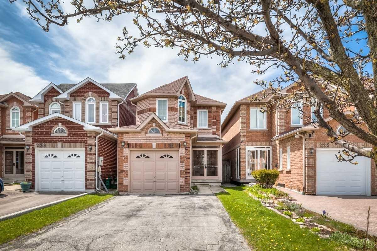 227 Milliken Meadows Dr, Markham, Ontario L3R 0V9, 3 Bedrooms Bedrooms, 8 Rooms Rooms,4 BathroomsBathrooms,Detached,For Sale,Milliken Meadows,N4756606