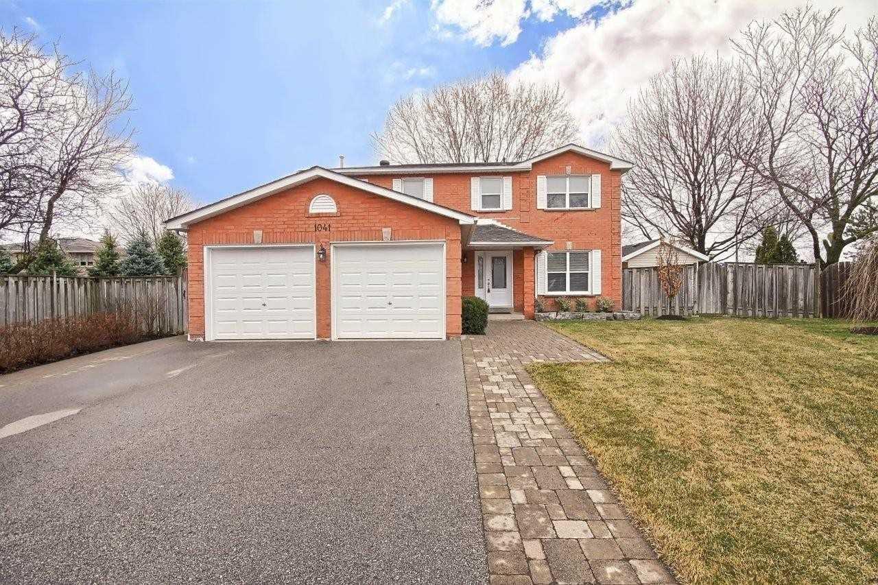1041 Ashley Pl, Newmarket, Ontario L3Y7E4, 3 Bedrooms Bedrooms, 6 Rooms Rooms,3 BathroomsBathrooms,Detached,For Sale,Ashley,N4749203