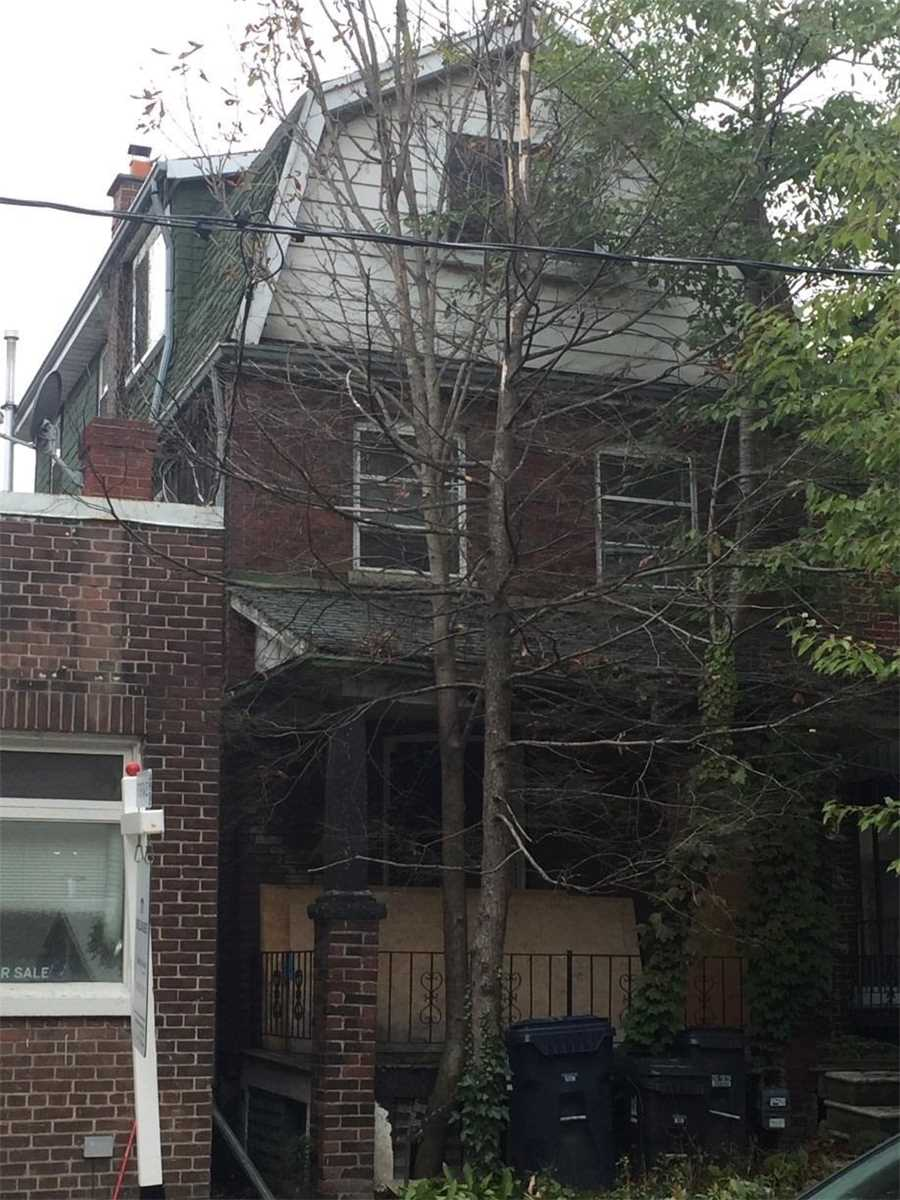8 Dartnell Ave, Toronto, Ontario M5R 3A4, 4 Bedrooms Bedrooms, 9 Rooms Rooms,2 BathroomsBathrooms,Detached,For Sale,Dartnell,C4848004