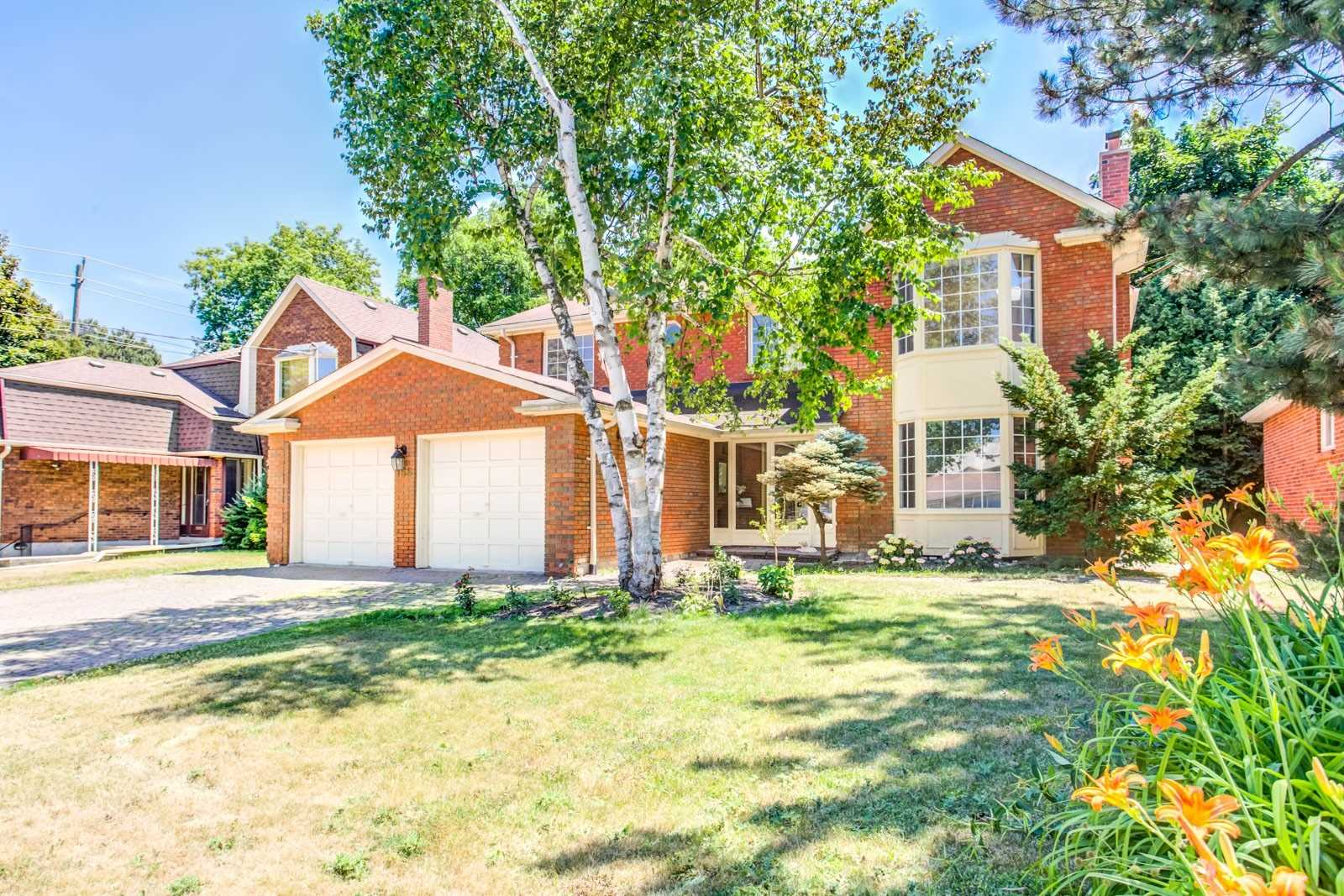 155 Highland Cres, Toronto, Ontario M2L1H2, 4 Bedrooms Bedrooms, 8 Rooms Rooms,4 BathroomsBathrooms,Detached,For Sale,Highland,C4846127